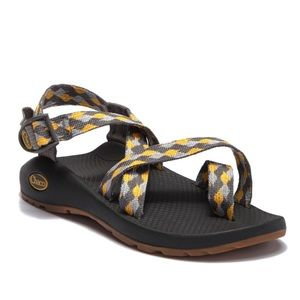 Chaco Gold Z2 Strappy Sandals Vibram Women 9